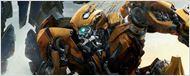 Optimus Prime e Bumblebee lutam em novo cartaz de Transformers: O Último Cavaleiro
