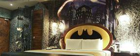 Que tal se hospedar na Batcaverna? Hotel oferece quarto temático inspirado no Homem-Morcego