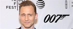 Rumor: Fonte próxima a Tom Hiddleston afirma que o ator está em negociação para assumir o papel de James Bond
