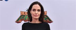 Angelina Jolie negocia para estrelar filme sobre heroína da Guerra do Afeganistão