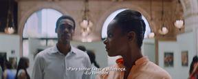 Casal mais poderoso dos Estados Unidos encontra o amor no trailer legendado de Michelle e Obama