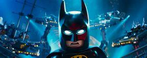 Homem-Morcego mostra seus batmóveis em nova imagem de LEGO Batman: O Filme