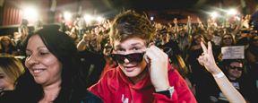 Em Ritmo de Fuga: Ansel Elgort se infiltra no meio dos fãs e surpreende o público em pré-estreia no Brasil