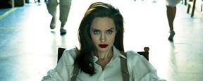 Angelina Jolie revela que teve paralisia facial e comenta sobre vida de mãe solteira
