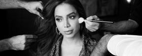 Vai Anitta: Dominação mundial da cantora tem Netflix e milho cozido (Primeiras Impressões)