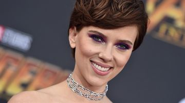 Scarlett Johansson afirma que seus polêmicos comentários sobre diversidade em Hollywood foram distorcidos