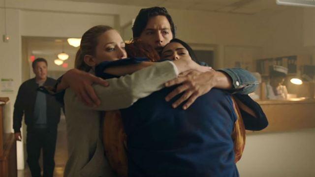Riverdale 1ª Temporada Erros de Gravação + 2ª Temporada Teaser Original