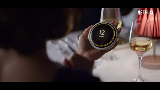 "Black Mirror 4ª Temporada Episódio 4 ""Hang the DJ"" Trailer Legendado"