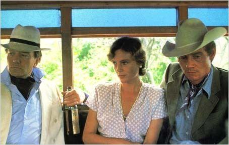 À Sombra do Vulcão : Foto Albert Finney, Jacqueline Bisset, John Huston