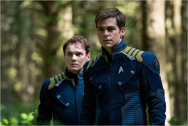 Star Trek: Sem Fronteiras : Foto Anton Yelchin, Chris Pine