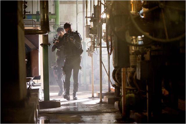 Stratton : Foto Dominic Cooper