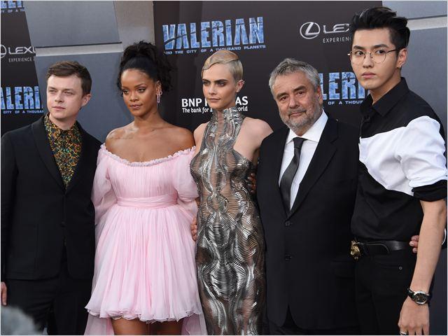 Valerian e a Cidade dos Mil Planetas : Vignette (magazine) Cara Delevingne, Dane DeHaan, Kris Wu, Luc Besson, Rihanna