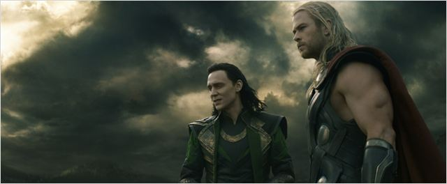 Thor: O Mundo Sombrio : Foto Chris Hemsworth, Tom Hiddleston