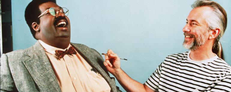 Rick Baker, lendário maquiador de Hollywood, cria impressionante e assustadora estátua do Coringa