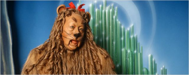 Roupa do Leão em O Mágico de Oz e piano de Casablanca são leiloados a preços milionários