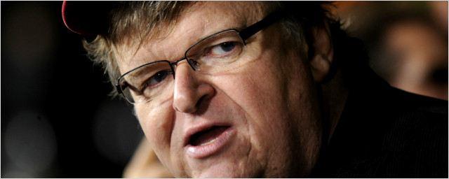 Michael Moore convida estudantes a assistirem Selma