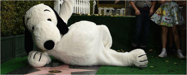 Snoopy ganha estrela na calçada da fama