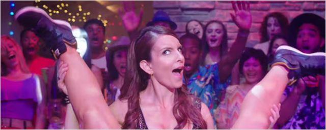 Irmãs: Confira cenas inéditas e de bastidores no making of comentado por Tina Fey, Amy Poehler e elenco (exclusivo)
