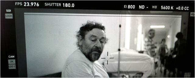Uma Noite Não é Nada: Visitamos as filmagens do drama de Alain Fresnot em um hospital abandonado