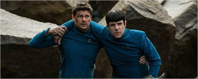 Spock surge machucado e Kirk comanda nave diferente em novas imagens de Star Trek: Sem Fronteiras