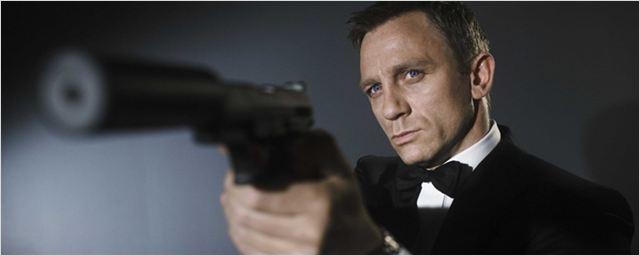 Steven Soderbergh foi convidado para dirigir filmes da franquia James Bond duas vezes