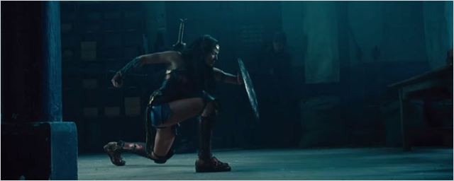 Mulher-Maravilha usa todas suas armas em novo comercial de TV