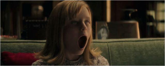 Menina possuída aterroriza todo mundo em novo trailer de Ouija - Origem do Mal