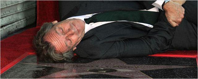 Hugh Laurie ganha estrela na Calçada da Fama