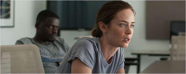 Roteirista explica por que Emily Blunt está fora de Soldado, sequência de Sicario
