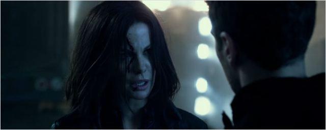 Exclusivo: Theo James pede a ajuda de Kate Beckinsale em cena legendada de Anjos da Noite - Guerras de Sangue