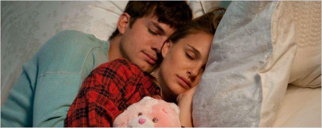 Ashton Kutcher está orgulhoso por Natalie Portman revelar diferença salarial em Hollywood
