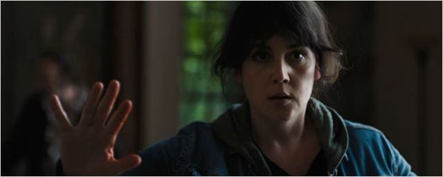 Veja o trailer de Já Não Me Sinto em Casa Nesse Mundo, grande vencedor do Festival de Sundance