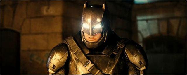 Liga da Justiça: Zack Snyder divulga imagem de Batman em cena de luta