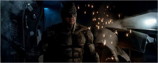 Liga da Justiça: Zack Snyder revela nova foto do batmóvel