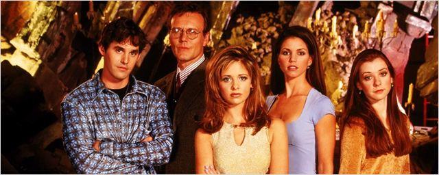 20 anos de Buffy, a Caça-Vampiros: Sarah Michelle Gellar e Joss Whedon agradecem aos fãs e discutem o legado feminista da série