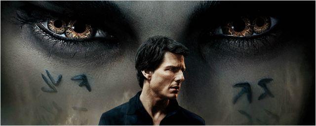 Tom Cruise é ameaçado pela Princesa Ahmanet no pôster nacional de A Múmia