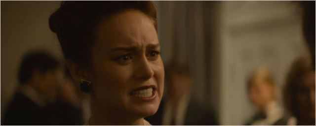 Brie Larson tenta fugir do excêntrico passado familiar no trailer de A Fortaleza de Vidro