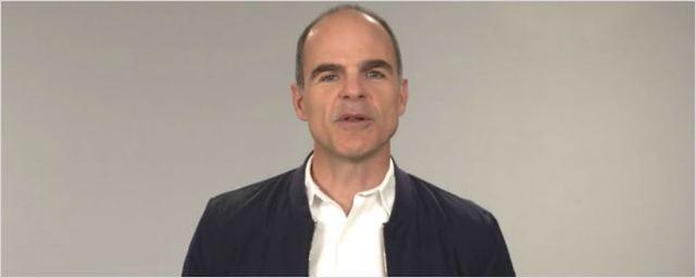 Ator de House of Cards manda mensagem ao povo brasileiro
