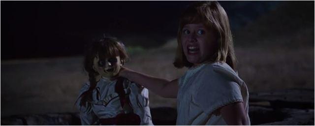 Boneca maligna assusta meninas de um orfanato no trailer de Annabelle 2: A Criação do Mal