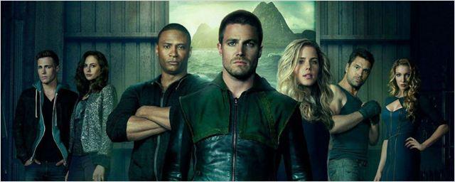 Stephen Amell confirma retorno de personagem da primeira temporada de Arrow