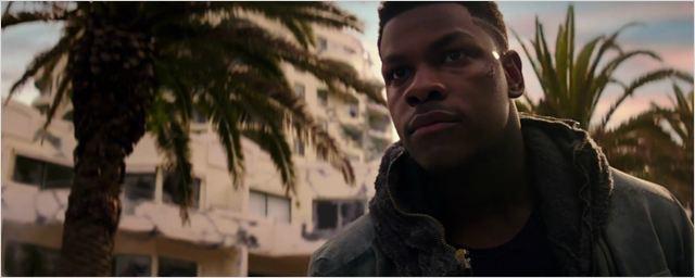 New York Comic Con 2017: John Boyega tenta salvar a humanidade no trailer de Círculo de Fogo - A Revolta
