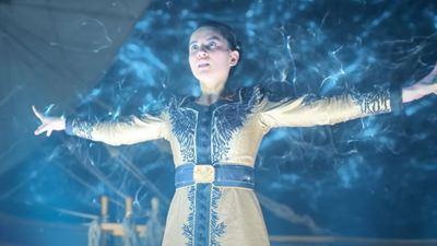 Sombra e Ossos na Netflix: Por que Alina teve que se afastar de Mal para acessar seus poderes?