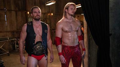 Astros de Vikings e Arrow se jogam no mundo da luta livre em nova série do Starzplay
