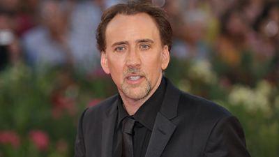 Nicolas Cage surge completamente diferente em novo filme de faroeste