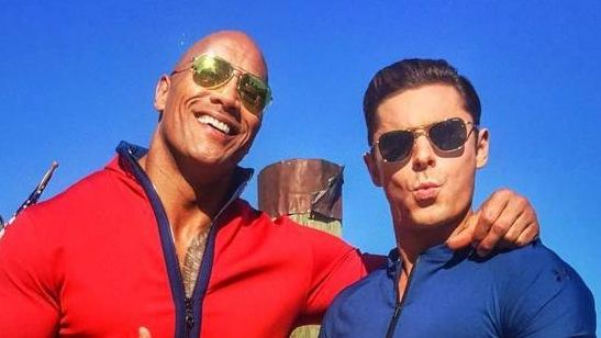 Dwayne Johnson e Zac Efron compartilham as primeiras fotos dos bastidores de Baywatch