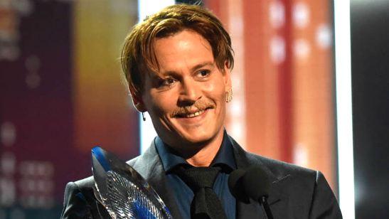 """Johnny Depp vai interpretar John McAfee, bilionário da marca de antivírus, em aventura com """"armas, sexo e assassinato"""""""