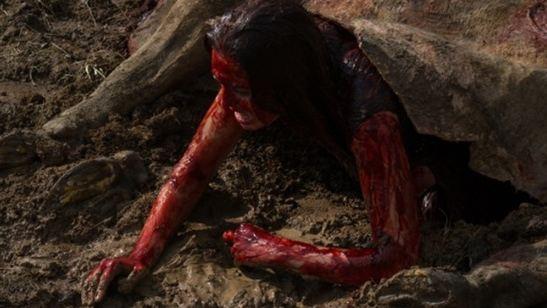 Primeiras imagens de Leatherface têm jovens cobertos de sangue