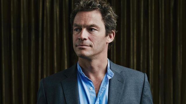 The Crown: Dominic West pode viver príncipe Charles nas temporadas 5 e 6