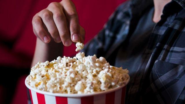Qual a melhor comida para acompanhar filmes e séries em casa? Confira os eletrodomésticos em promoção na Amazon