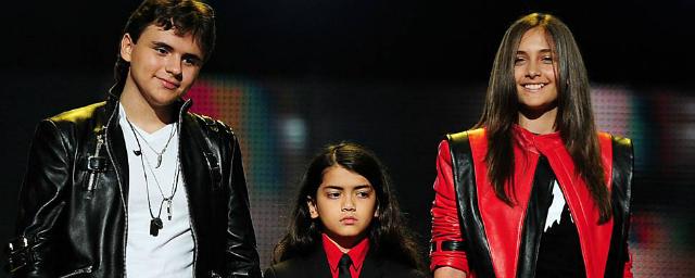 Filhos de Michael Jackson vão tentar carreira no cinema - Notícias de cinema - AdoroCinema